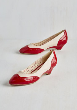 Sweet Spectator Heel in Cherry