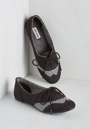 Studious Style Flat in Black - Flat, Faux Leather, Black, Checkered / Gingham, Menswear Inspired, Vintage Inspired, 20s, Good, Lace Up, Variation, White, Casual, WPI