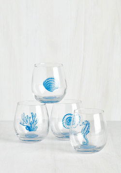 Welcome Helm Wine Glass Set