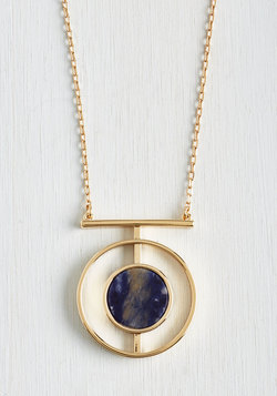 Glimpse the Lune Necklace