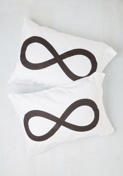 Repose a Theory Pillowcase Set