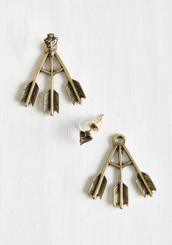 Point of Attention Earrings in Gold