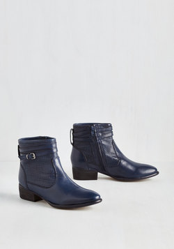 Sanctuary Bootie in Navy