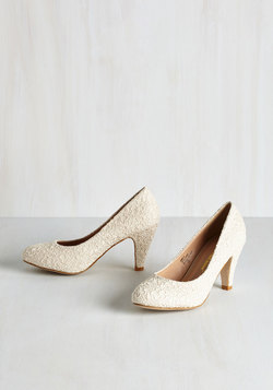 I'm Sew Excited Heel in Ivory