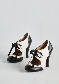 Shoes - Poised for Perfection Heel in Obsidian