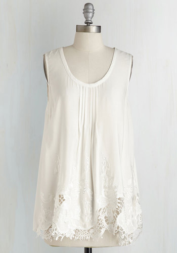 Sumptuous Splendor Top in Ivory