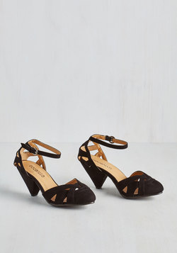 Currant Scones Heel in Black