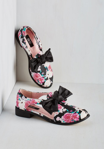 Show Me the Bunny Oxford Flat - Low, Faux Leather, Multi, Black, Print with Animals, Bows, Cutout, Quirky, Critters, Top Rated