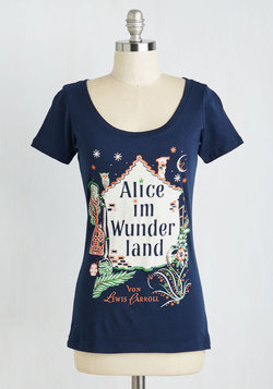 Novel Tee in Wunderland