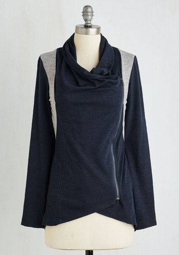 Airport Greeting Cardigan in Navy and Gray