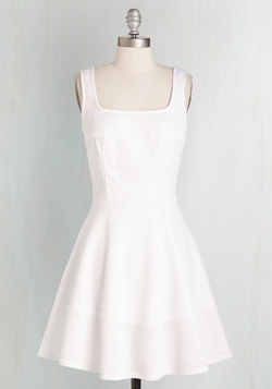 Met with Splendor Dress in White