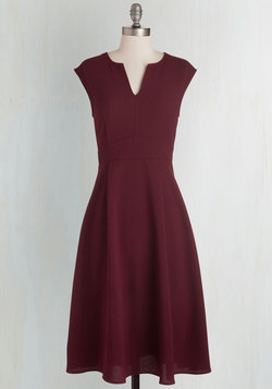 Job Swell Done Dress in Burgundy