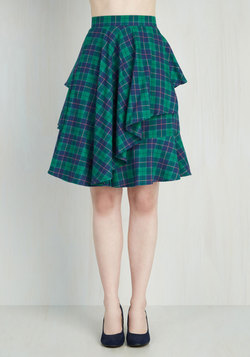Elegant and Intelligent Skirt in Tartan