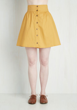 Curry Your Enthusiasm Skirt in Marigold