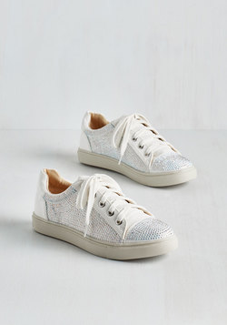 Active Glistening Sneaker in Ivory