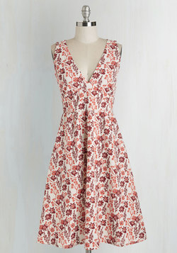 Pretty as a Picnic Dress in Floral