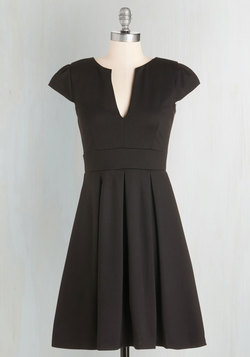 Meet Me At the Punch Bowl Dress in Noir