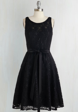 Simply Divine Dress in Noir