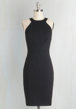 Anniversary Allure Dress in Noir