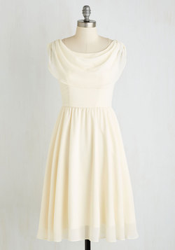 Pas de Bourrée a Day Dress in Ivory