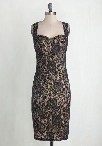 Sophisticated Soiree Dress in Noir