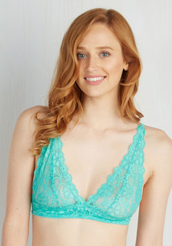 Demure Diva Bralette in Jade