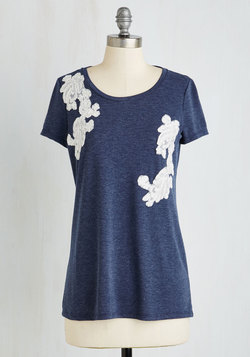 Applique Sera Sera Top in Navy