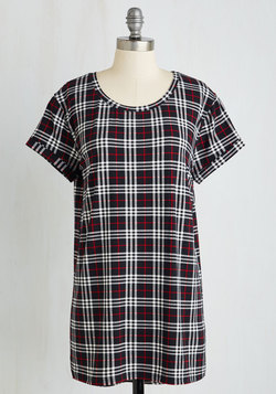 Weekend Ease Tunic in Plaid