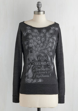 Novel Tee Sweatshirt in Elizabeth