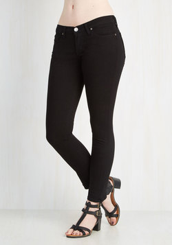 Front Row Fashionista Jeans in Black