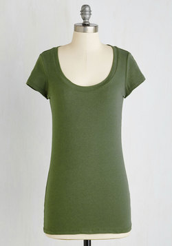 What's the Scoop Neck Tee in Olive