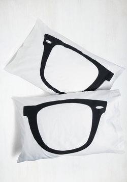 Shuteye to Eye Pillowcase Set