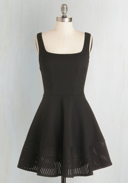Met with Splendor Dress in Black