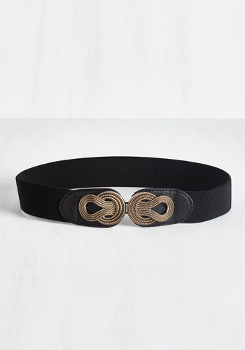 Boldly Buckled Belt in Black - Black, Gold, Woven, Variation, Solid