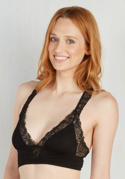 Swoon Me to Sleep Bralette in Noir