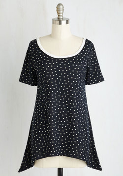 By and Lodge Top in Navy Dots