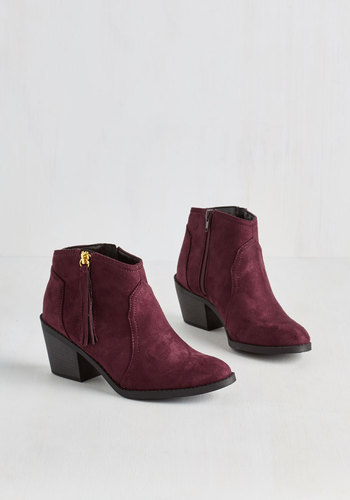Lay of the Portland Bootie in Burgundy
