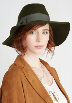 Sale - Film Noir and Again Hat in Moss