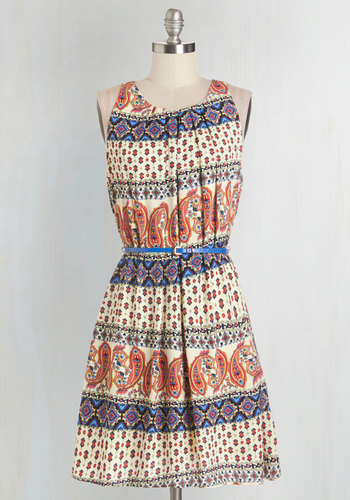 Great Wavelengths Dress in Paisley - Print, Belted, Casual, Tent / Trapeze, Sleeveless, Fall, Woven, Good, Scoop, Multi, Pleats, Variation