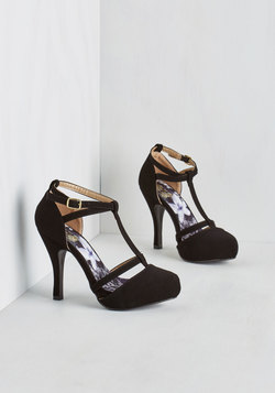 Snappy and Strappy Heel in Ink