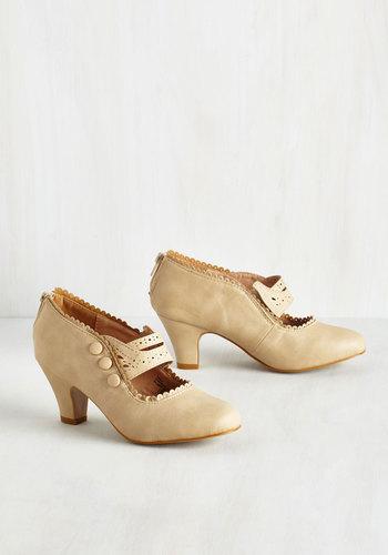 Scallop and At Em Heel in Ecru $49.99 AT vintagedancer.com