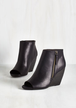 Kick and Choose Bootie in Black