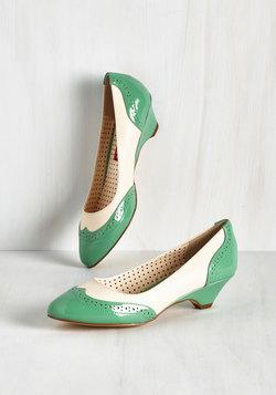 Sweet Spectator Heel in Jade