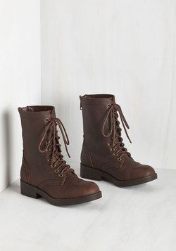 Come Panacea 'Bout Me Boot in Brown