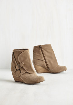 Follow the Fashionista Boot in Sand