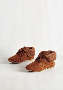 Skit to Be Tied Bootie in Caramel
