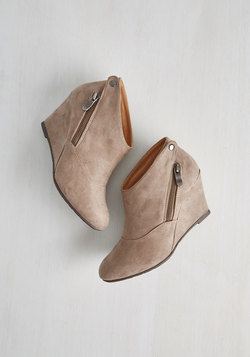 Tea and Jam Session Wedge in Flax