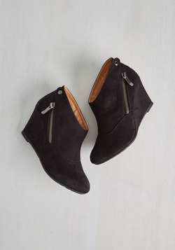 Tea and Jam Session Wedge in Black
