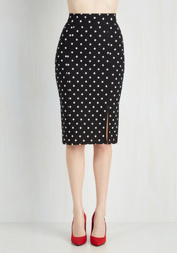 Work Day Darling Skirt in Black