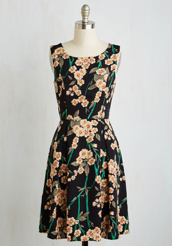 Flair For Florals Dress in Garland